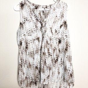 Mercer & Madison beautiful printed sleeveless top